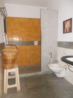 12J6U00131: Bathroom 1