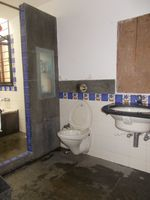 12J6U00131: Bathroom 3
