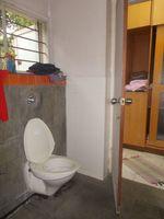 12J6U00131: Bathroom 4
