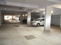 10A4U00235: parking
