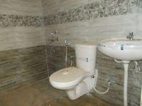 12DCU00295: Bathroom 2