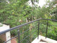 10J6U00595: Balcony 4