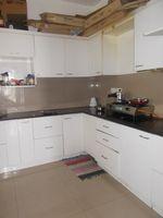 12NBU00284: Kitchen 1