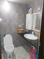 14J1U00061: Bathroom 2