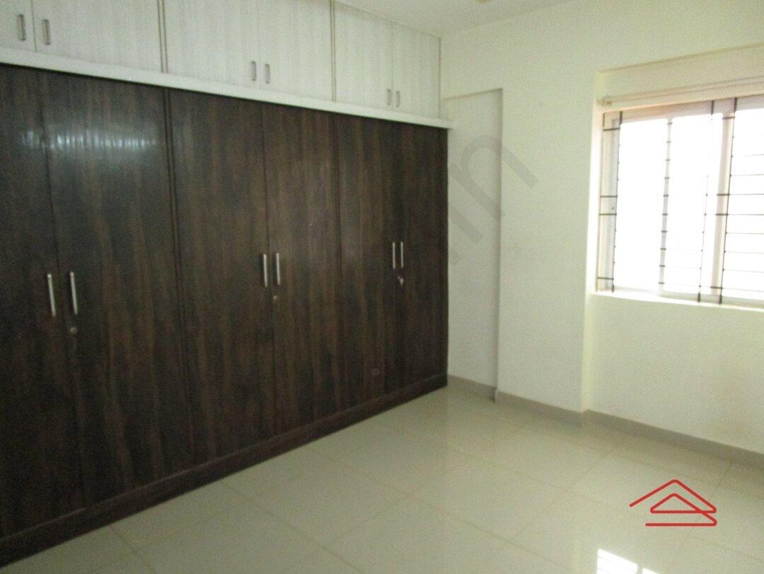 15J1U00360: Bedroom 1