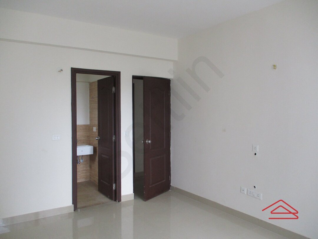 15S9U00792: Bedroom 1