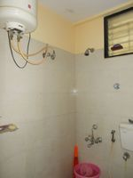12J6U00551: Bathroom 1