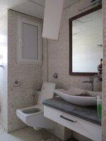 15A4U00084: Bathroom 1