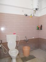 13M5U00551: Bathroom 1