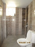 15A4U00270: Bathroom 2