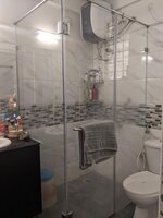 15OAU00168: Bathroom 2