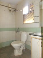 14DCU00610: Bathroom 4