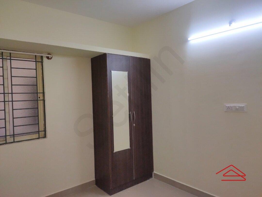 Sub Unit 15J7U00027: bedrooms 1