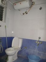 11DCU00241: Bathroom 2