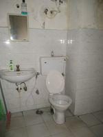12M3U00038: Bathroom 2