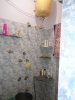 12OAU00185: Bathroom 1