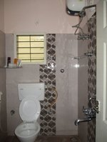 13NBU00242: Bathroom 1