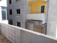 13J1U00102: Balcony 1
