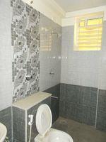 13J1U00102: Bathroom 1