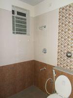 13J1U00102: Bathroom 2