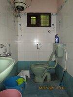 15J1U00337: Bathroom 1