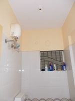 13A4U00319: Bathroom 1