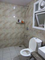 13J7U00026: Bathroom 1