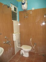 15F2U00090: Bathroom 2
