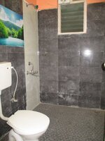 15F2U00090: Bathroom 1