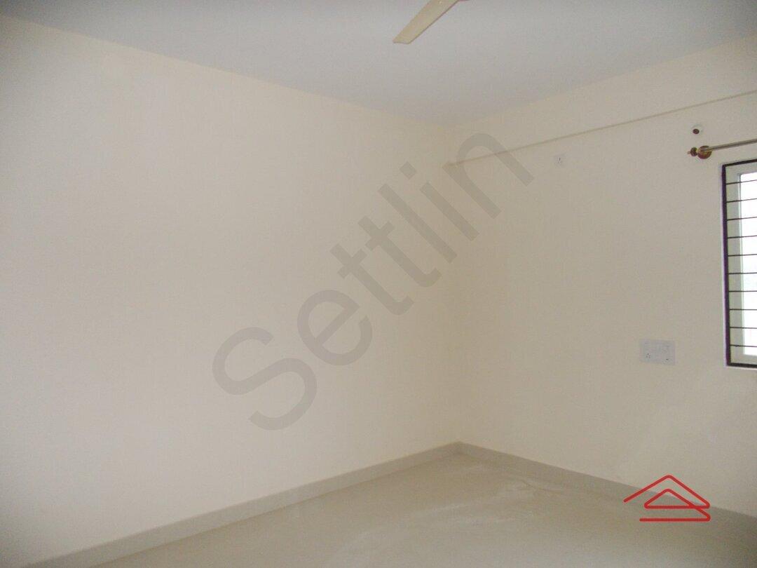 14NBU00281: Bedroom 1