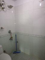 13M5U00247: Bathroom 2