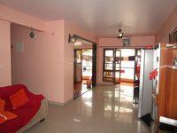 13M5U00247: Hall 1