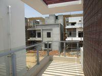 13M5U00447: Balcony 1