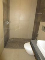 13M5U00447: Bathroom 1
