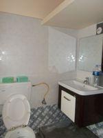 13J1U00155: Bathroom 1