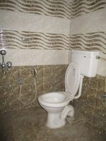 14DCU00254: Bathroom 2