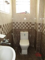 15OAU00240: Bathroom 2