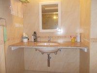13S9U00310: Bathroom 2