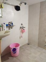 14DCU00251: bathroom 2