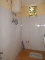 12OAU00259: Bathroom 2