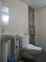 15A4U00086: Bathroom 2