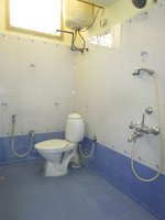 14J1U00083: Bathroom 1