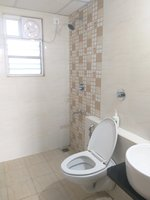 13OAU00042: Bathroom 2