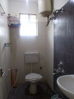 13M5U00241: Bathroom 2
