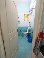15J1U00383: Bathroom 1