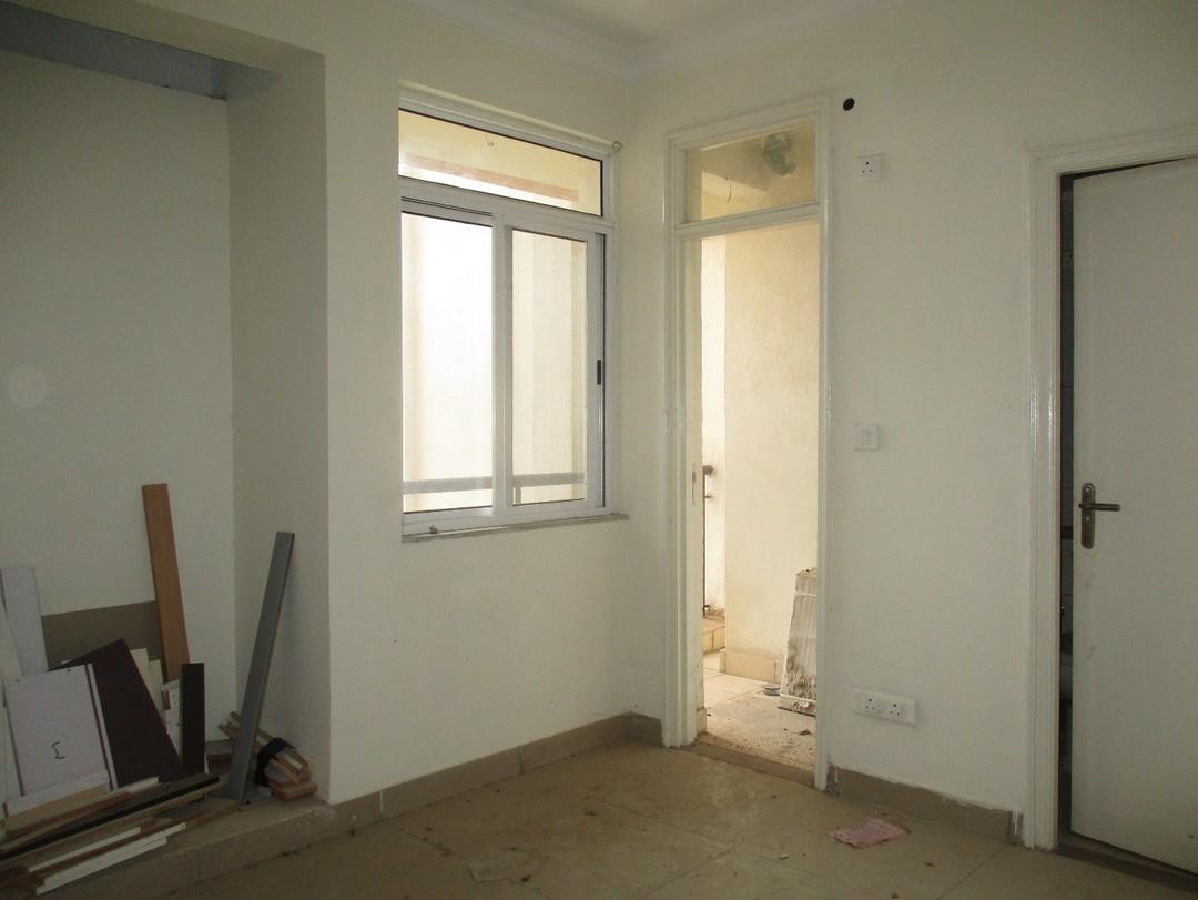 10F2U00140: Bedroom 1