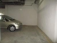 10F2U00140: parking