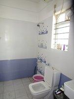 13J7U00153: Bathroom 1