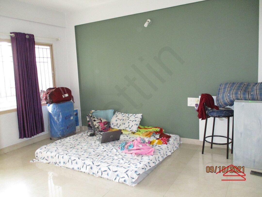15A8U00726: Bedroom 1