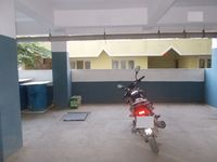 12DCU00001: parking